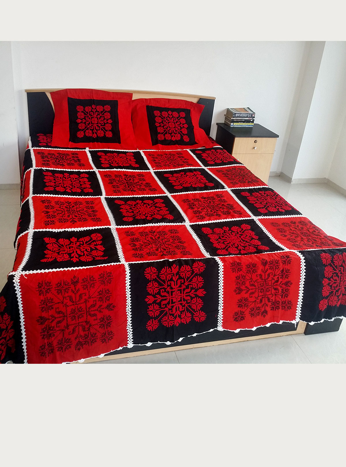 Applique Bed Cover BS-11