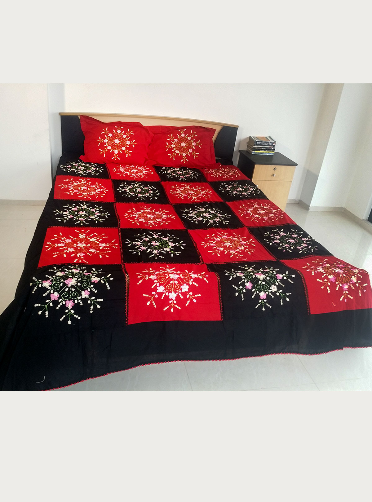 Applique Bed Cover BS-21
