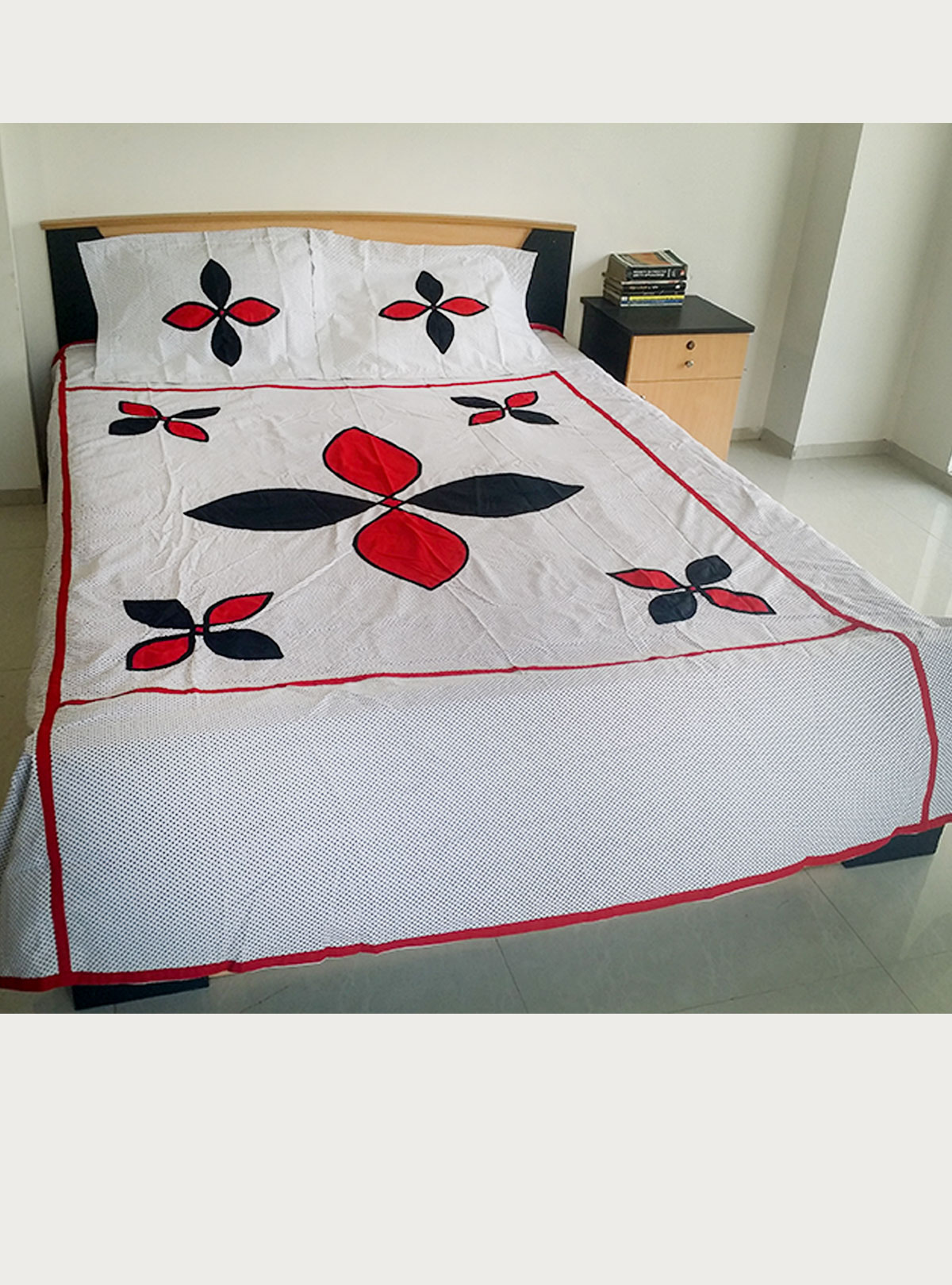 Applique Bed Cover BS-31