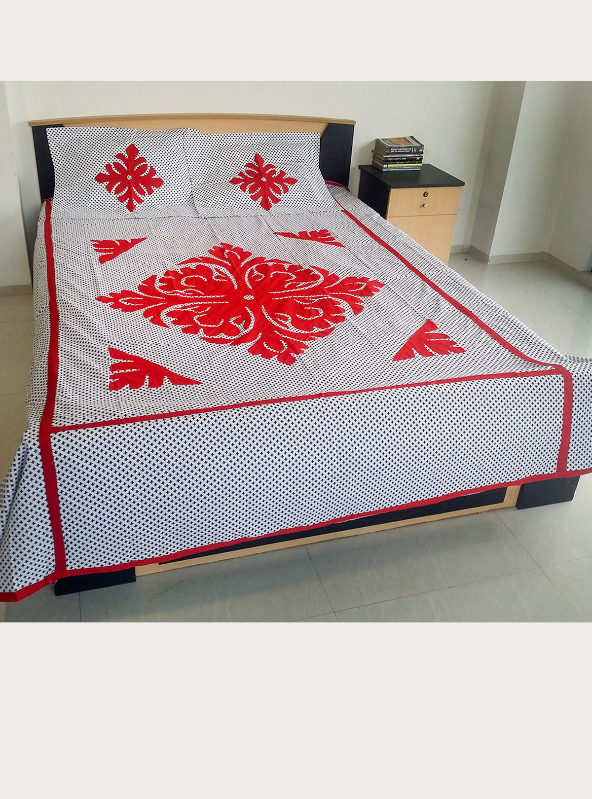Applique Bed Cover BS-32